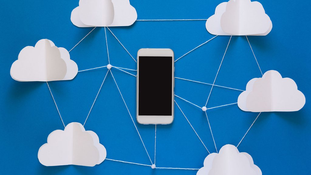 Mobile phone with connections to clouds as a newtrok