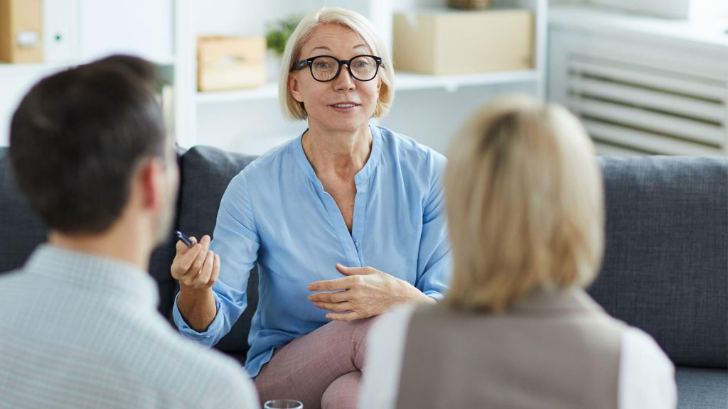 Therapist giving couple advice